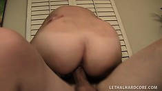 Summer Rae masturbates while sucking his cock, he fills her up
