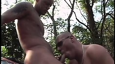 Straight guy pays for a ride with his lips and virginal butt